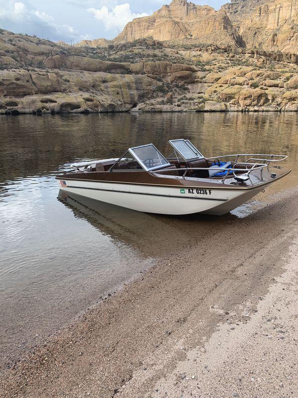 1977 inboard outboard boat 602-(909)-(0390)