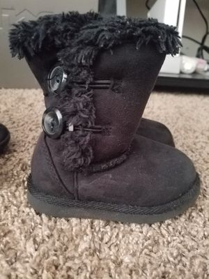 Photo Very cute toddler girls size 5c boots. Great condition.