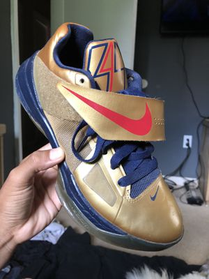 """Nike KD 4 """"Gold Medal"""" for Sale in East Riverdale, MD"""
