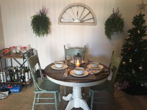 Table and chairs for Sale in Midlothian, VA