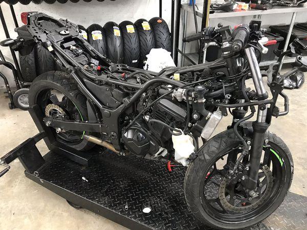 2014 Kawasaki Ninja 300 PARTS PARTS for Sale in Boca Raton, FL - OfferUp