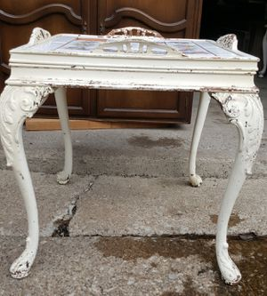 Distressed side table for Sale in Avon Lake, OH