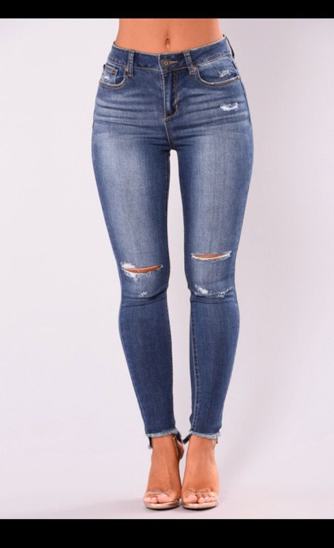 4369e43444 FashionNova Jeans BRAND NEW for Sale in Chandler