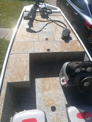 Photo Aluminum bass boat for sale or trade.