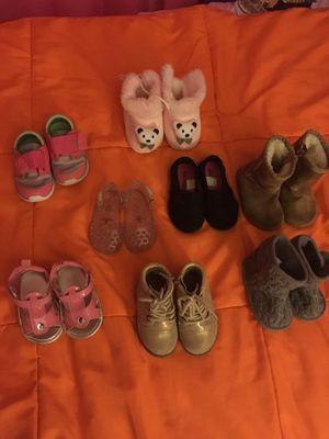 Zapatos ocho pares por $10 for Sale in Germantown, MD