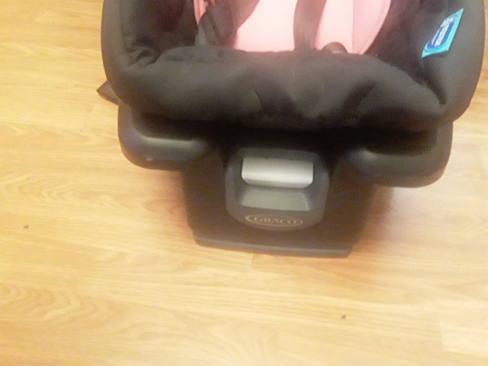 New Graco Snugride 35 lite Infant carseat