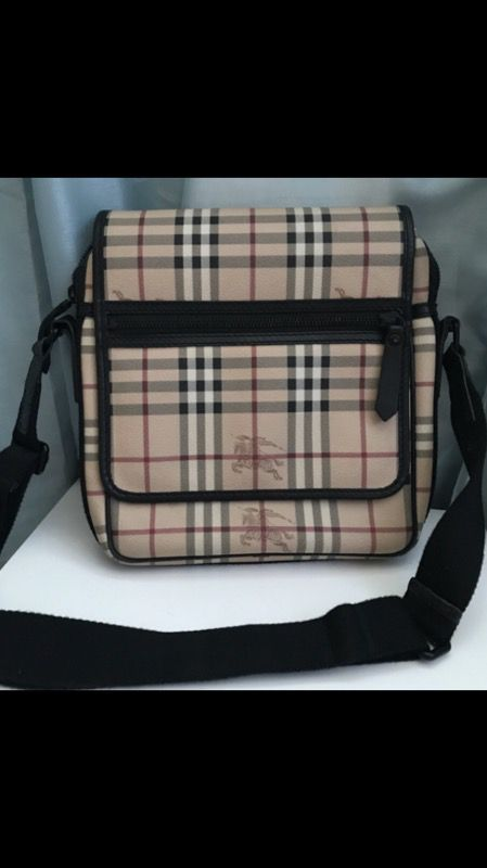 Burberry Messenger bag 100% Authentic for Sale in Gaithersburg 6b43c08b64ca7