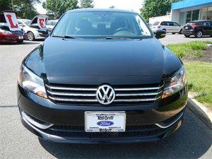 2013 Volkswagen Passat 2.5 SE w/Sunroof Alloy Wheels for Sale in Fairfax, VA