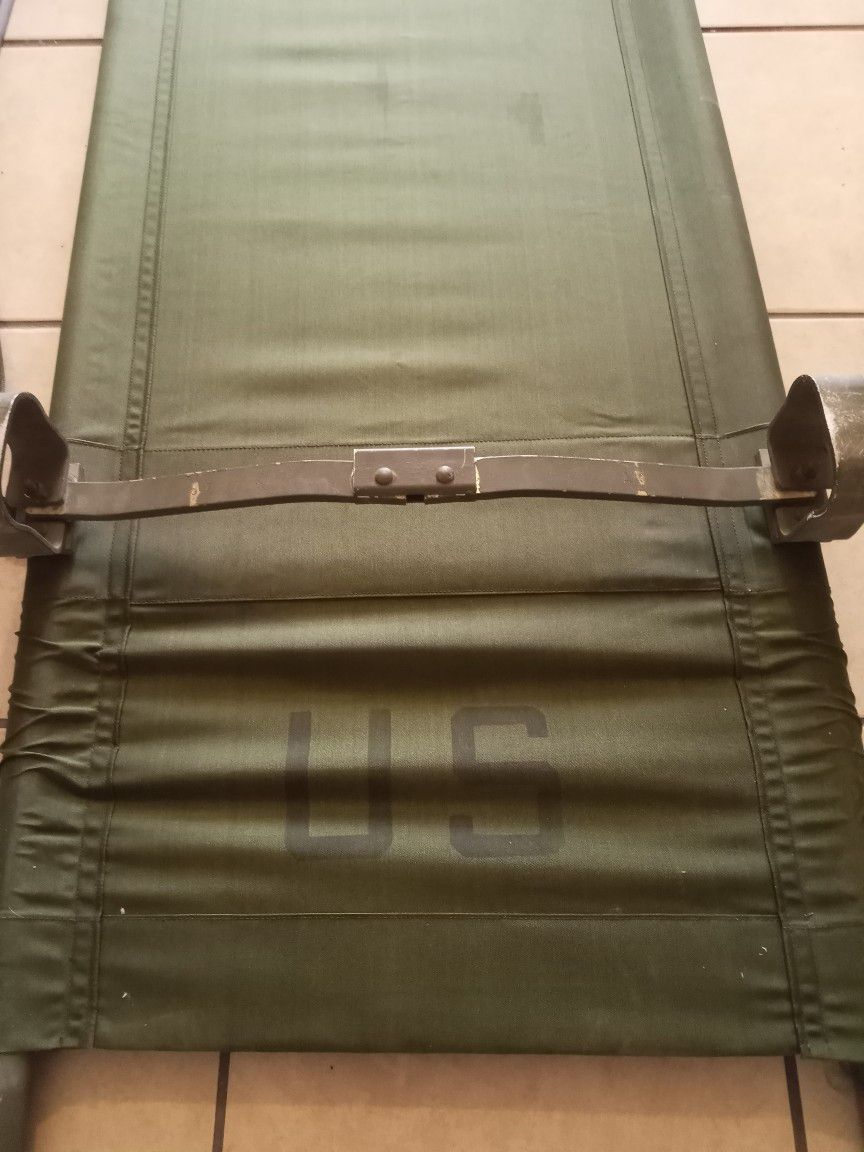 Authentic U.S. Military Medical Cot/Folding Cot WWII Vietnam  ERA