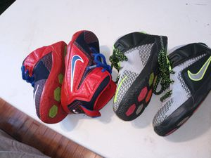 Photo Nike sneakers toddler two pairs are size 8C $10 each