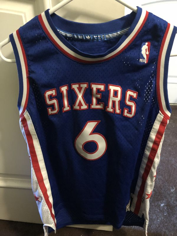 37921a4b0 Hardwood classics Dr.J Sixers Jersey youth large for Sale in Pico ...