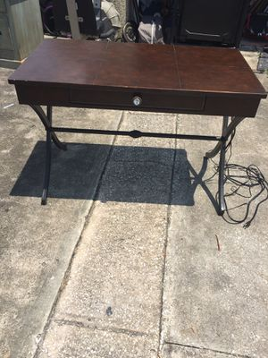 New and Used Desk for Sale in Apopka, FL - OfferUp