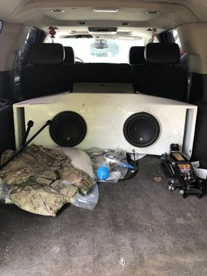 """JL W7 10"""" speakers and box for Sale in Frederick, MD"""