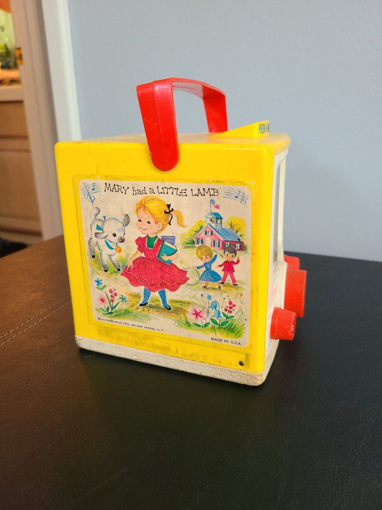 Vintage 1965 Fisher Price Peek a Boo Screen Music Box Mary Had a Little Lamb