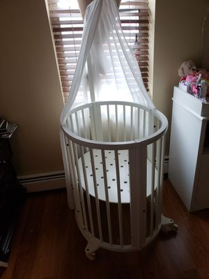 Stokke Mini Crib White for Sale in North Bergen, NJ