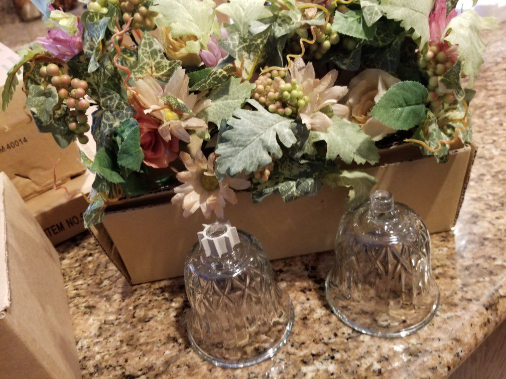 Home interiors brand. 3 votive cups and 2 flower rings