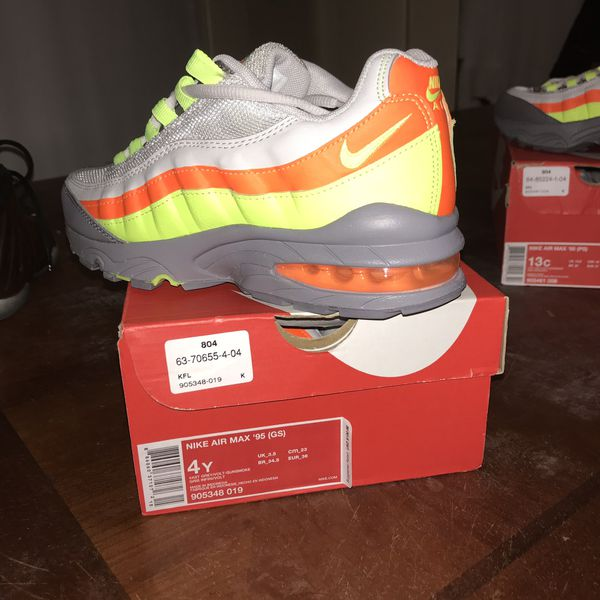 5cb4b0d7a2 Nike air max 95 (gs) and (ps) for Sale in New Haven, CT - OfferUp