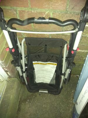 Excellent condition Graco snap stroller and base all fir $60 for Sale in Rockville, MD