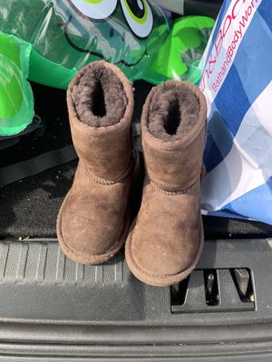 ce2326e5925 New and Used Toddler ugg boots for Sale in Dallas, TX - OfferUp