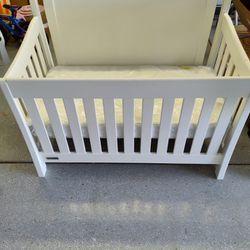 4 In 1 Convertible Crib Thumbnail