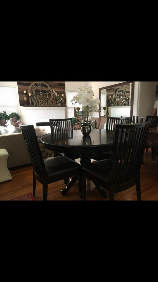 Farmhouse Heavy Dining Room Table And 8 Chairs With Extended Leaf To Make Ger Or Smaller For In Lodi Ca Offerup
