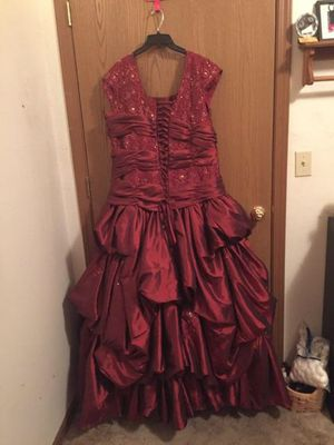 Maroon ball gown for Sale in Rolla, MO
