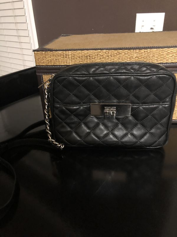0622e21a9b6dfe Michael Kors Quilted Crossbody for Sale in Phoenix, AZ - OfferUp