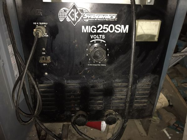 Mig Welder For Sale >> Ck systematics MIG 250 SM welder for Sale in Manteca, CA ...