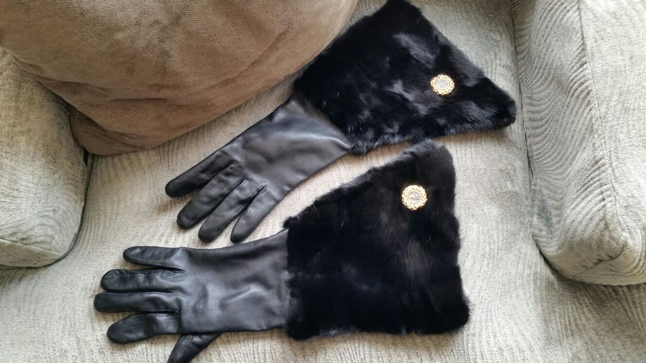 100% Real Vintage Leather & Fur Gloves, Fully Lined, EXCELLENT condition from Czechoslovakia!