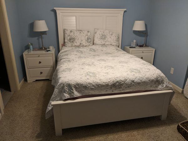Rooms To Go Belmar White Queen Bedroom Set For In