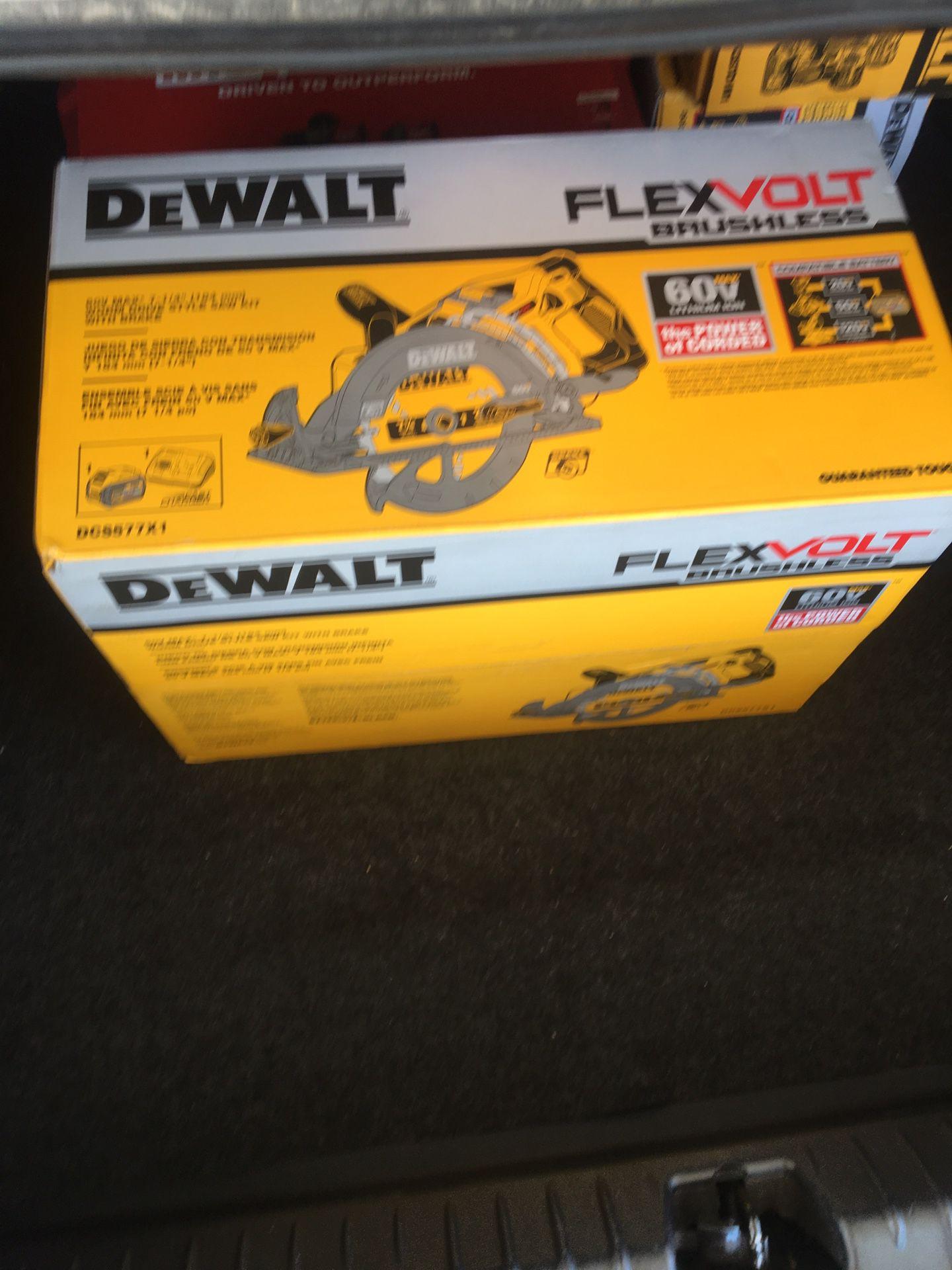 DeWalt flexvolt saw