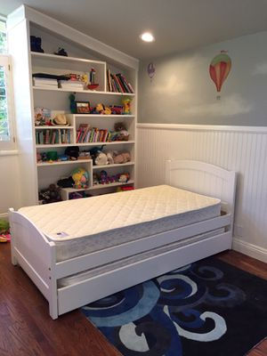 Photo White Twin Bed w Trundle and Mattresses Brand New
