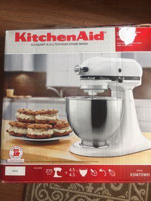 Kitchen Aid mixer for Sale in Lynchburg, VA
