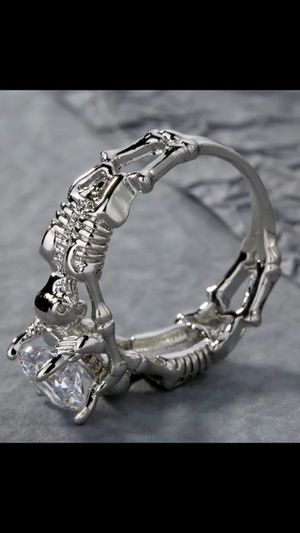 BRAND NEW WOMANS UNIQUE 💀 And HUMAN BONES 925 STERLING SILVER ENGAGEMENT BAND for Sale in Phoenix, AZ