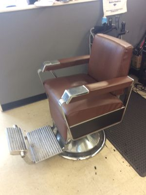 Antique barber chair good condition 2 for Sale in Washington, DC