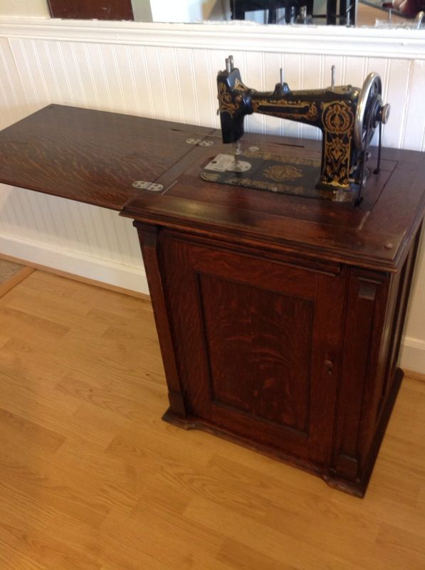 Rare Damascus Grand Treadle Sewing Machine In Beautiful Parlor Delectable Damascus Sewing Machine