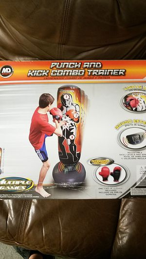 Punching kicking bag for Sale in Miami, FL