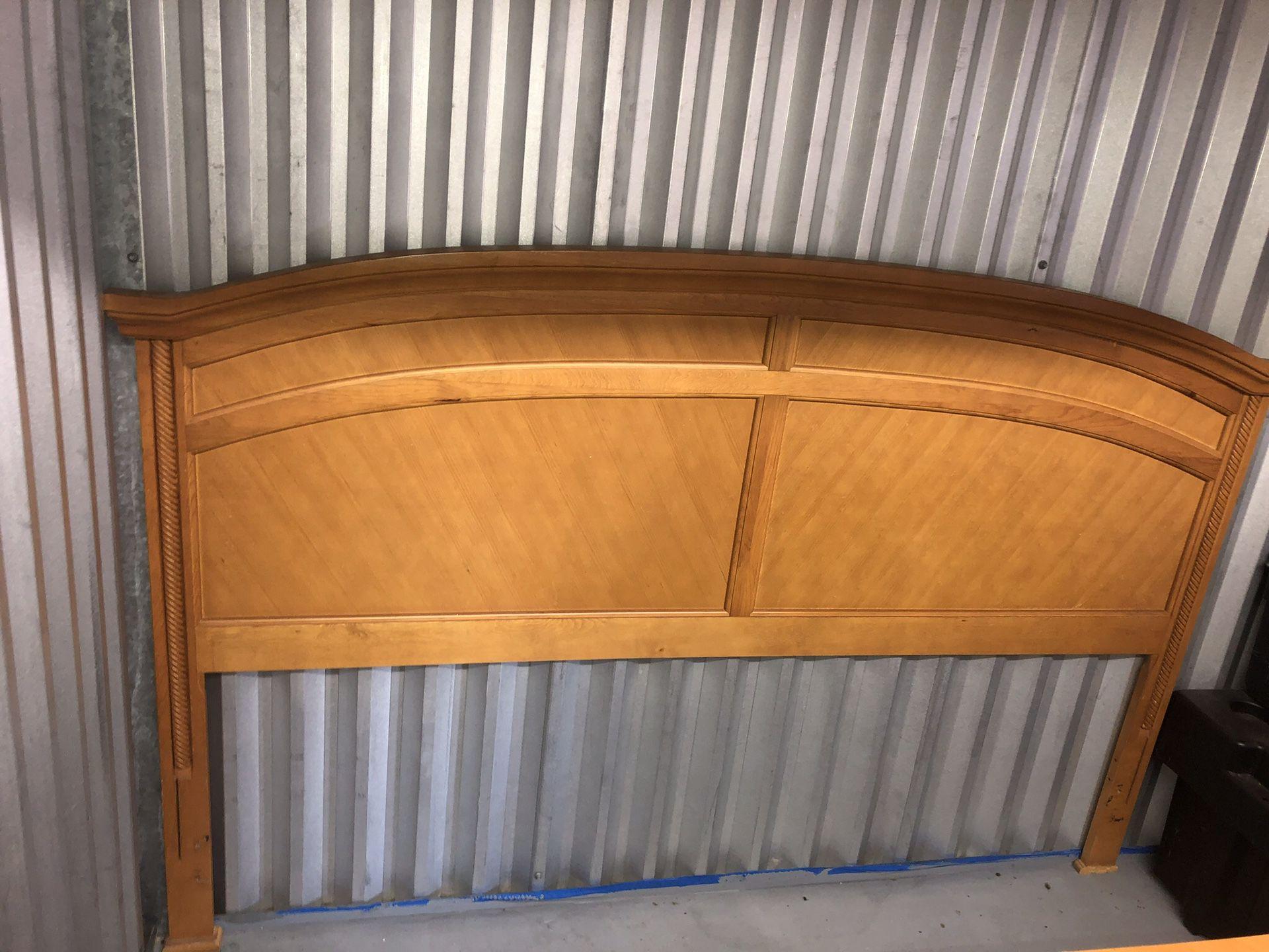4pc Wooden Bed set (NO FRAME)