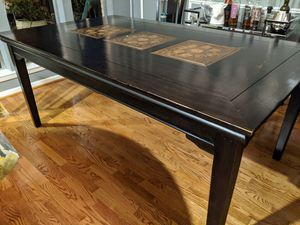 Photo Beautiful Solid Wood Pier 1 Dining Table