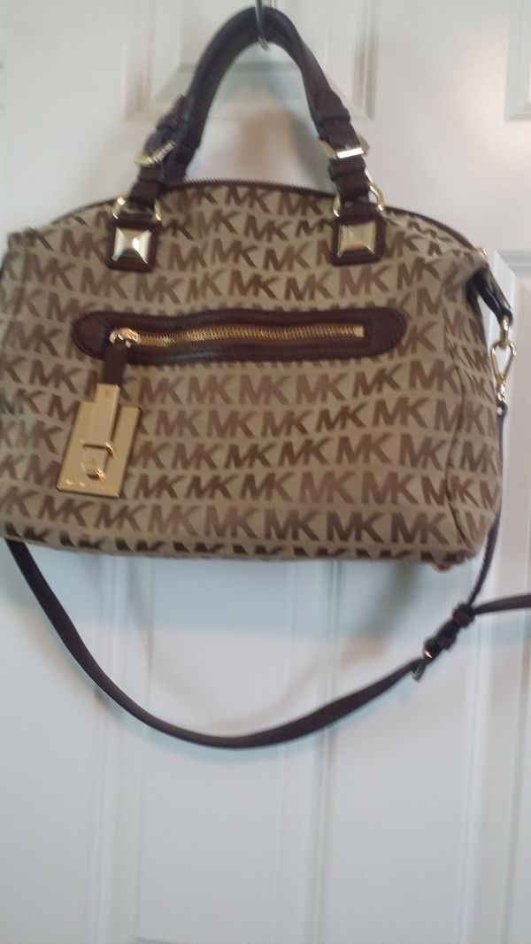 44799ec7ba44 Michael kor bag for Sale in Lake Elsinore, CA - OfferUp