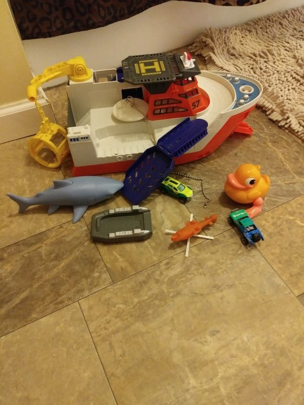 Bath time Marine Toy Boat (Boats & Marine) in Hamburg, PA - OfferUp