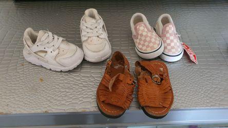 Baby shoes Thumbnail