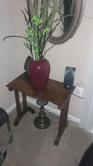 Small antique table with vase and plants for Sale in Gaithersburg, MD