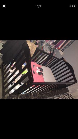 Black Baby crib sturdy ! for Sale in Woodbridge, VA