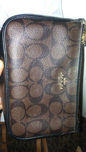 Coach purse for Sale in Oxon Hill, MD