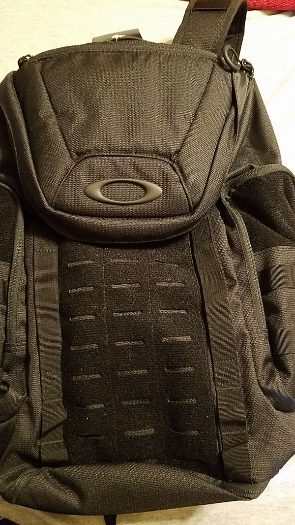 f3ca6e77c03 Oakley Link Pack Miltac for Sale in Paramount