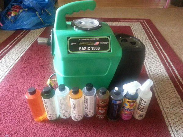 Durrmaid 1500 Hot Water Extractor with lots of extra auto detailing chemicals