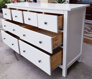 Photo Beautiful IKEA High Gloss White Hemnes 8 Drawer Dresser Chest Clothes Storage Organizer