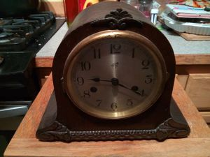 Mantel clock for Sale in Sumner, WA