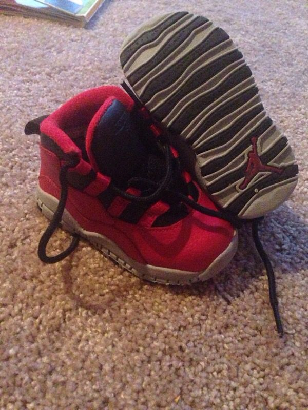 reputable site 09558 3c717 INFANT JORDAN RETRO 10 BULLS OVER BROADWAY SIZE 6C for Sale in Dallas, TX -  OfferUp